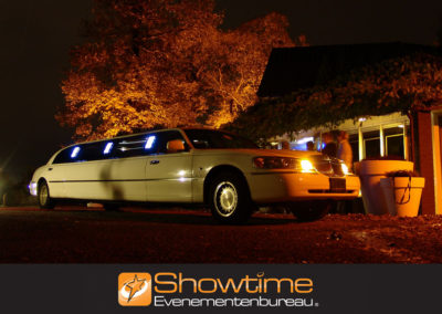 Teamuitje Limousine dropping it's SHOWTIME Evenementenbureau