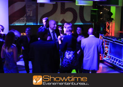 Swingend bedrijfsfeest organiseren it's SHOWTIME Evenementenbureau